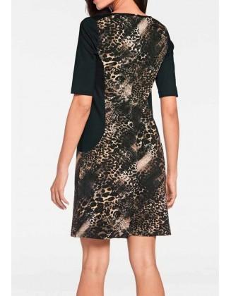 Juoda suknelė su rudais ornamentais