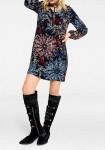 Rudens spalvų marga suknelė