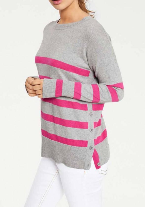 Pilkas megztinis su rožinėm juostelėm