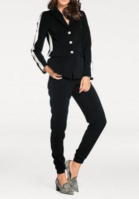 Juodos sportinio stiliaus kelnės