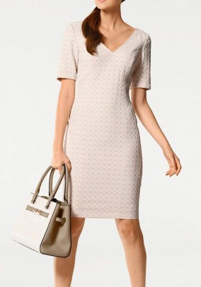Pudros spalvos S. Madan suknelė