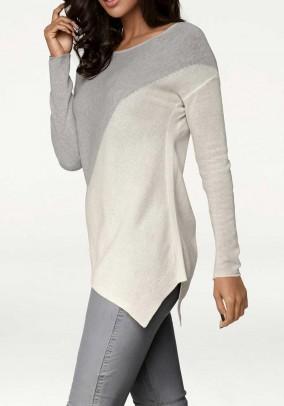 Asimetrinis megztinis su mohera