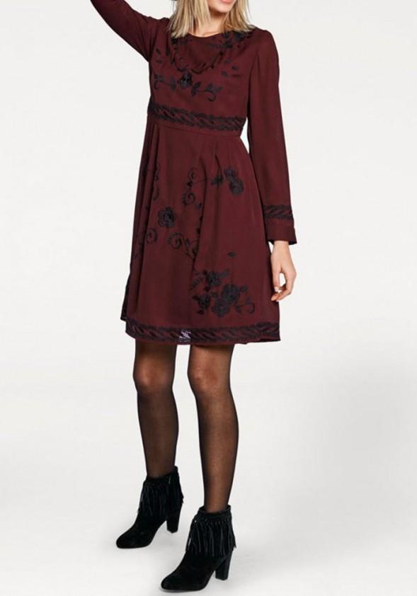 Siuvinėta bordo suknelė. Liko 36/38 dydis