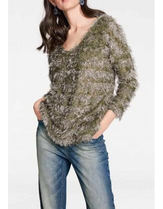 Rudas megztinis su žvyneliais