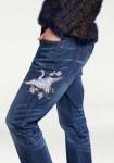 Mėlyni džinsai su aplikacija