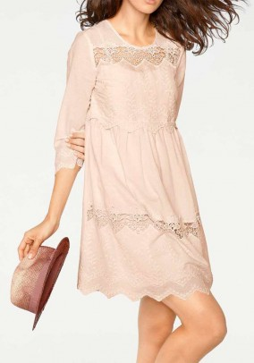 Lace dress, powder