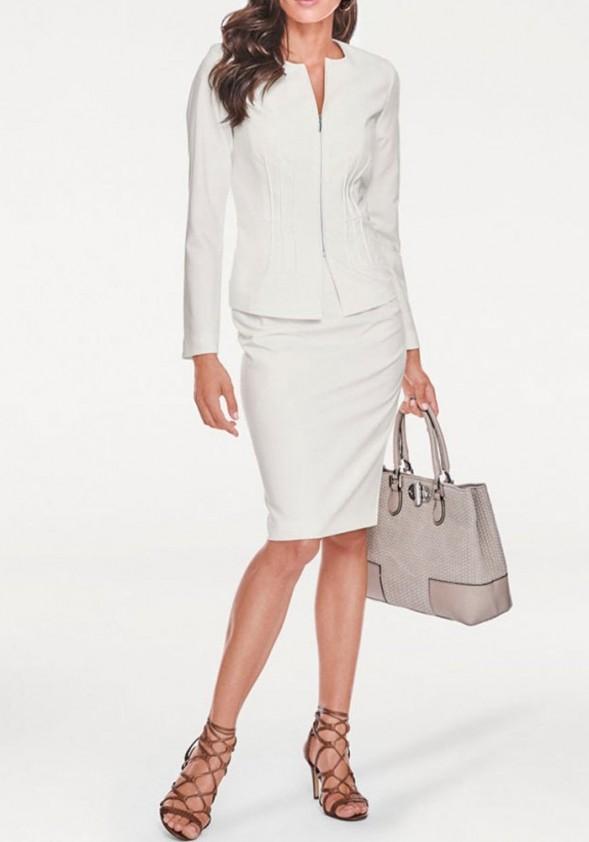 Baltas verslo klasės kostiumėlis