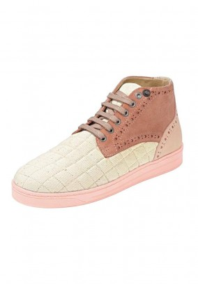 Women's lace-up shoe