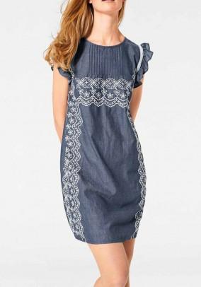 Melsva siuvinėta suknelė