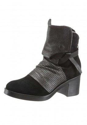 Velours bootie, black