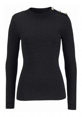 Aptemptas juodas megztinis