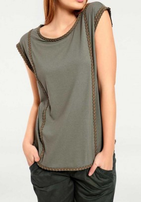 Shirt with embroidery, olive
