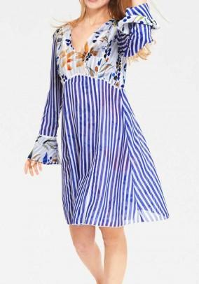 Išverčiama mėlyna suknelė