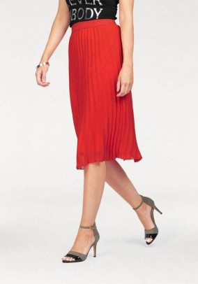 Designer pleated skirt, light red