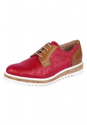 Lace up shoe, red
