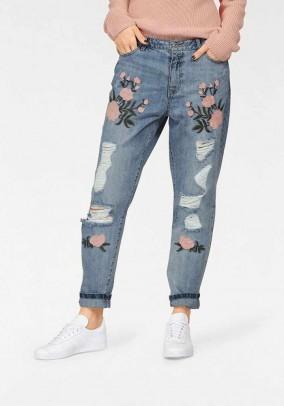 Siuvinėti ONLY džinsai