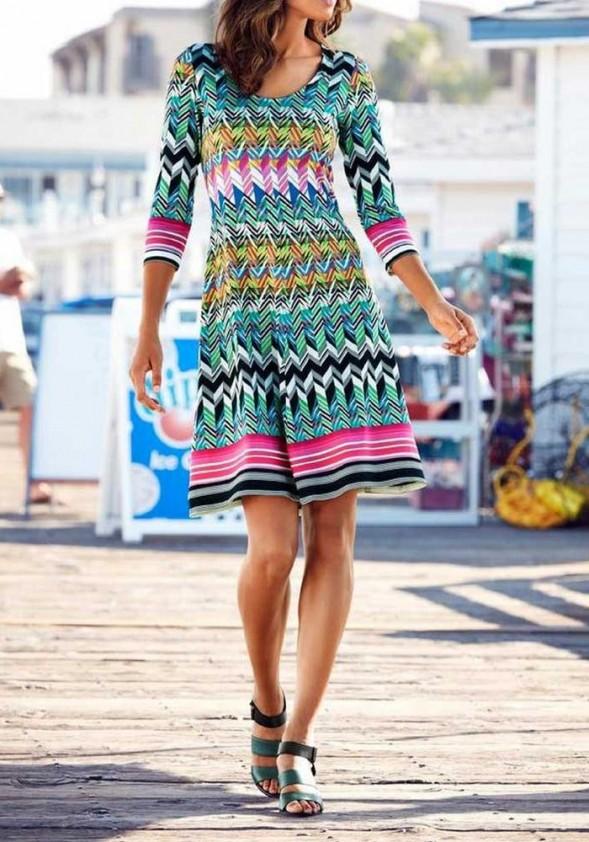 Ryški žaisminga suknelė