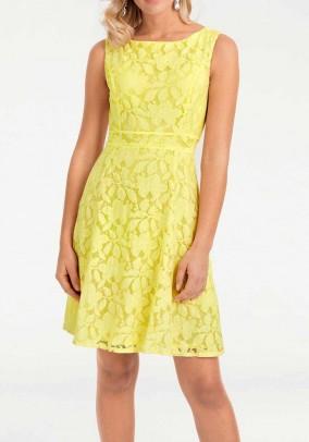 Geltona nėriniuota suknelė