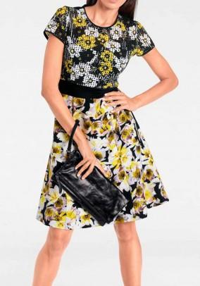 Suknelė su gėlių motyvais