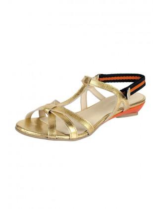 Auksinės odinės basutės