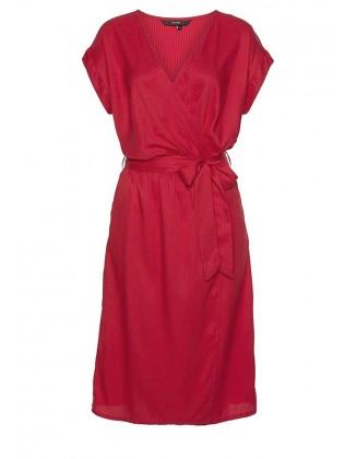 Raudona susiaučiama suknelė