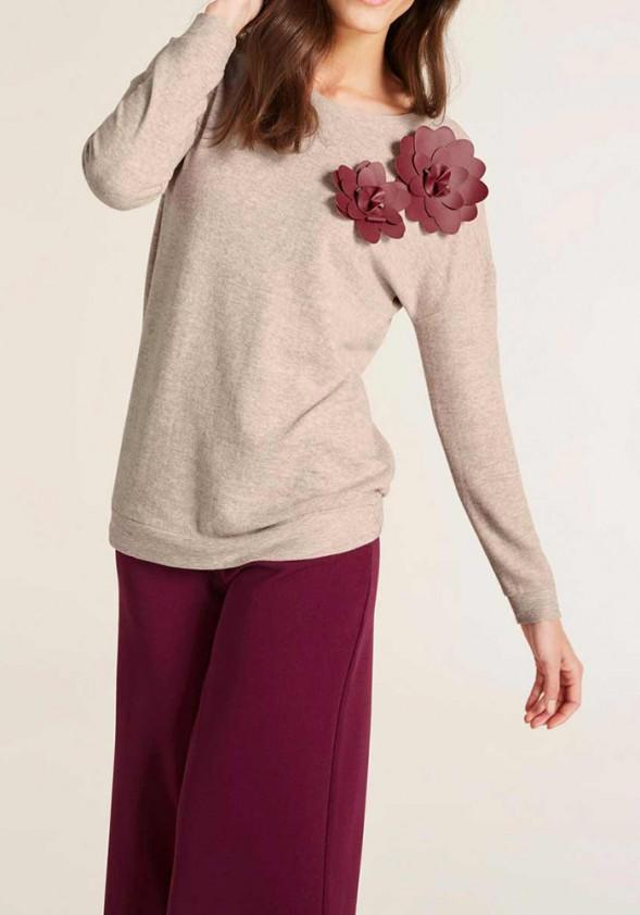 Smėlinė palaidinė su gėle