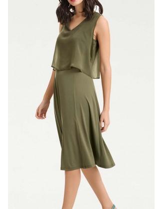 Sluoksniuota chaki suknelė