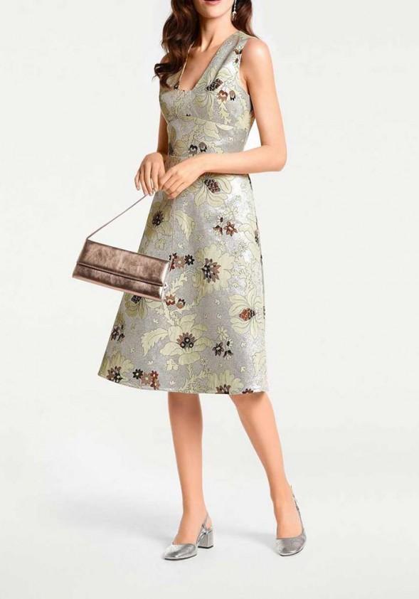 Sidabrinė suknelė su augalų motyvais