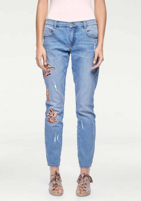 Boyfriend jeans with embroidery, blue