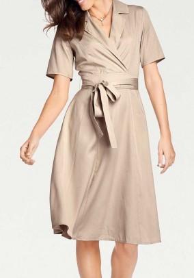 Smėlinė suknelė su diržu. Liko 40/42 dydis