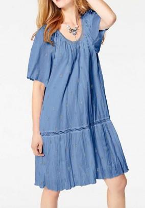 Laisvo pasiuvimo mėlyna suknelė