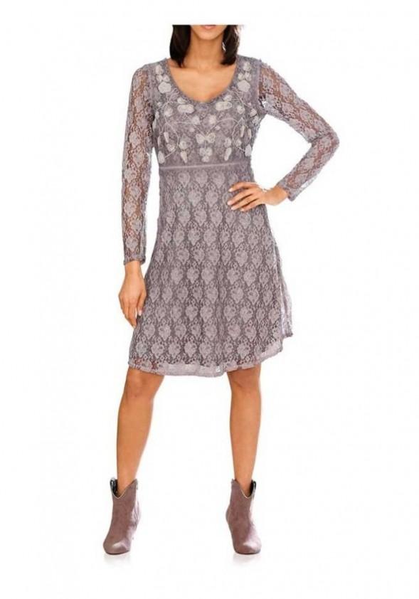 Nėriniuota pastelinė suknelė. Liko 38 dydis