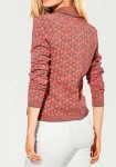 Trumpas koralinis megztinis