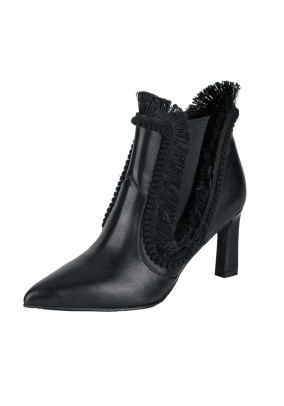 Bootie with fringes, black