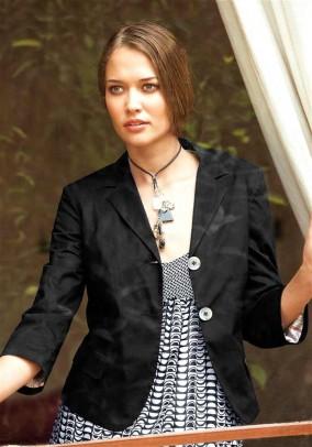 Short blazer, black