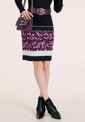 Megztas sijonas su akmenėliais