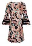 Suknelė plačiomis rankovėmis
