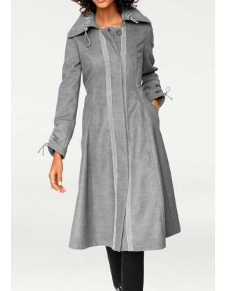 Pilkas elegantiškas paltas