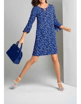 Mėlyna suknelė su baltais taškeliais