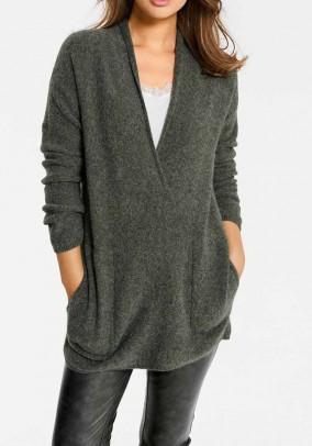 Oversize stiliaus platus megztinis