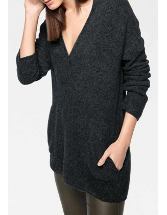 Juodas megztinis su alpakų vilna