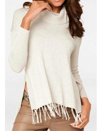 Baltas megztinis su kutais