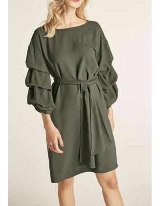 Žalia suknelė originaliomis rankovėmis
