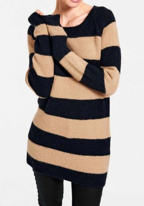 Ilgas dryžuotas megztinis su vilna