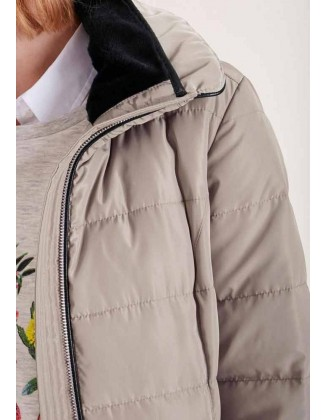 Pilkas dygsniuotas paltas
