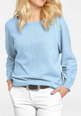 Melsvas plataus pasiuvimo megztinis
