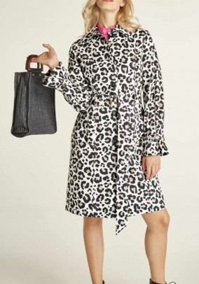 Trench coat, leo pattern