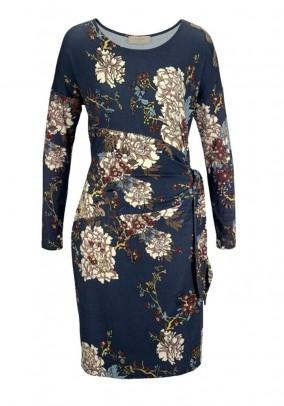 Aptempta suknelė su gėlių motyvais