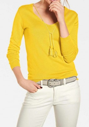 Fine knit sweater with tassles, yellow