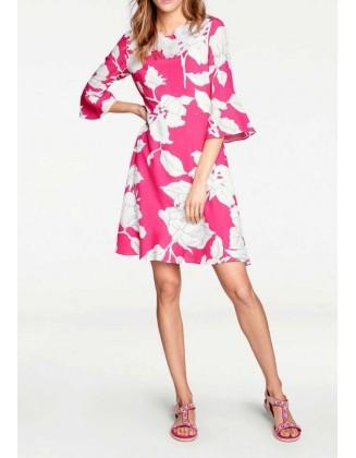 Rožinė suknelė su gėlėmis